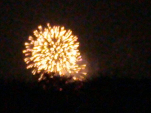 RTS花火を世界のピンクパレス窓から...